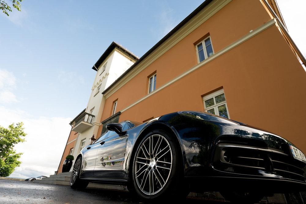 Chitra konsert med Porsche.jpg