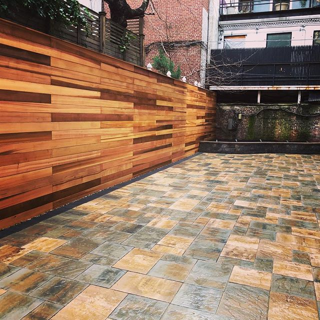 Happy Tuesday😋Cambridge pavers and clear cedar fence in your backyard space #dioncitylandscapes #dcloutdoorcontracting #landscapephotography #landscape #landscapedesign #wood #woodworking #cambridge #pavers #backyarddesign #backyard #fence #clearcedar #luxury #luxurylifestyle #luxuryhomes #luxuryliving #landscaping