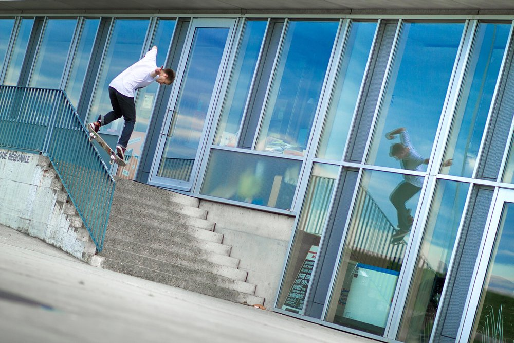 Jonathan Marty - Backside lipslide