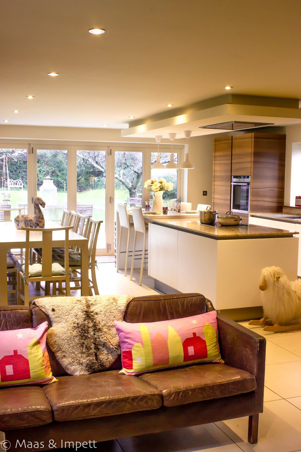 TRADITIONAL COUNTRY INTERIOR DESIGN, HAMPSHIRE