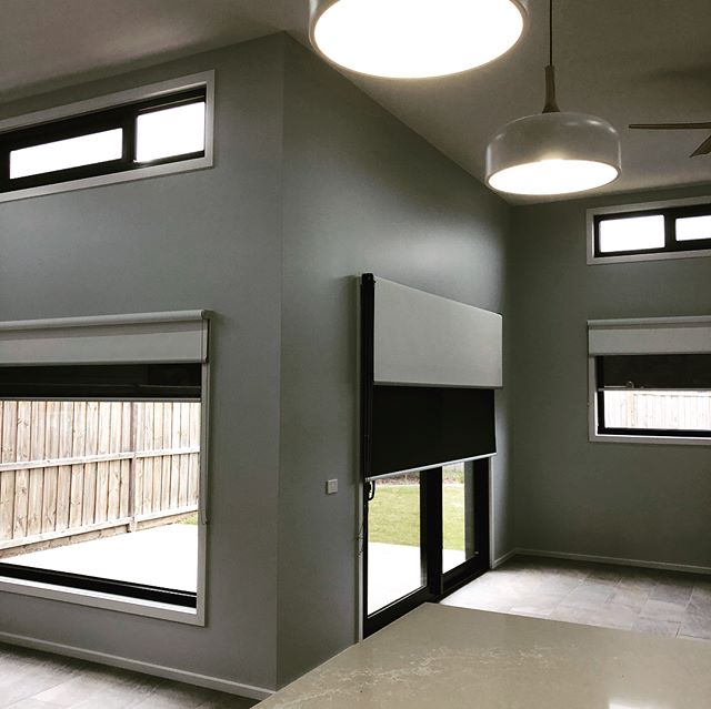 Stunning new window coverings thanks to @championblinds 💚 Only the best quality products at #clarkeandcobuilders  #windowcoverings #blinds #surfcoast #torquay #bellarinepeninsula #geelong