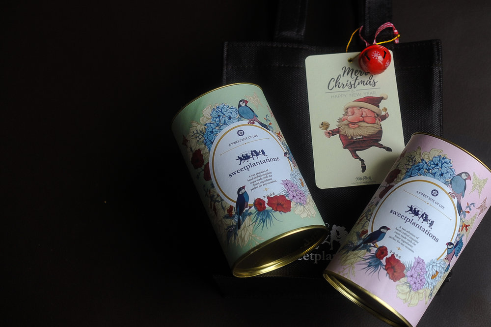 A. JOLLY   (IDR 180K)           2 cans cookies(in a bag)