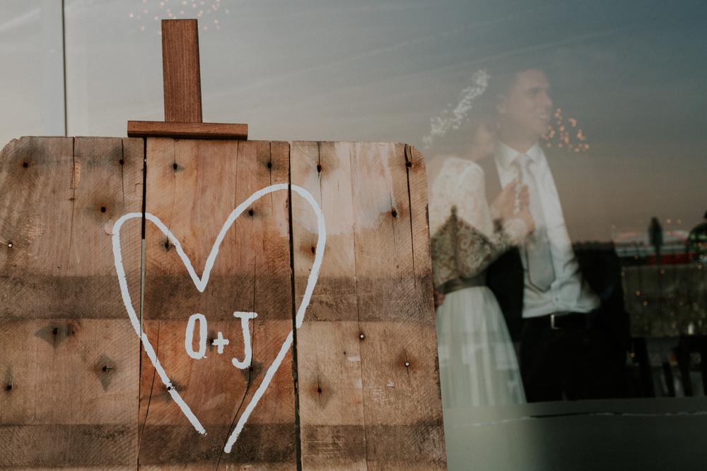 Olívia és Józsi - A szerelem hullámain evezve városokon át