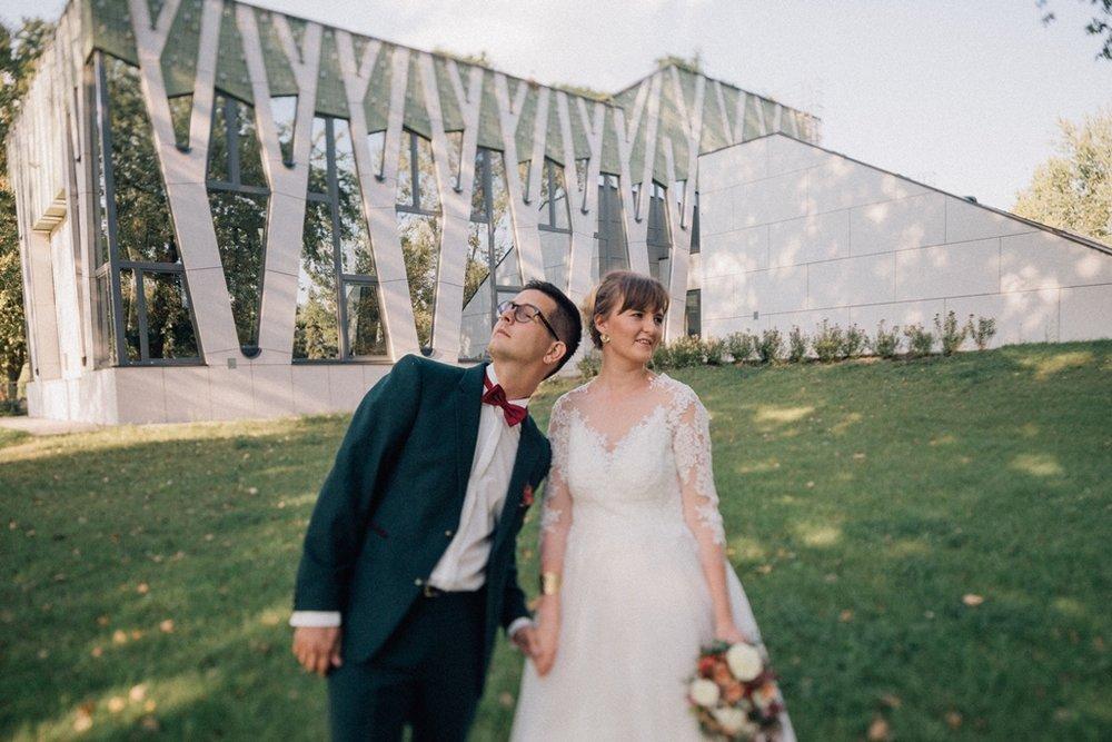 Bea és Roli - Modern, aranyporos esküvő sok-sok vidámsággal
