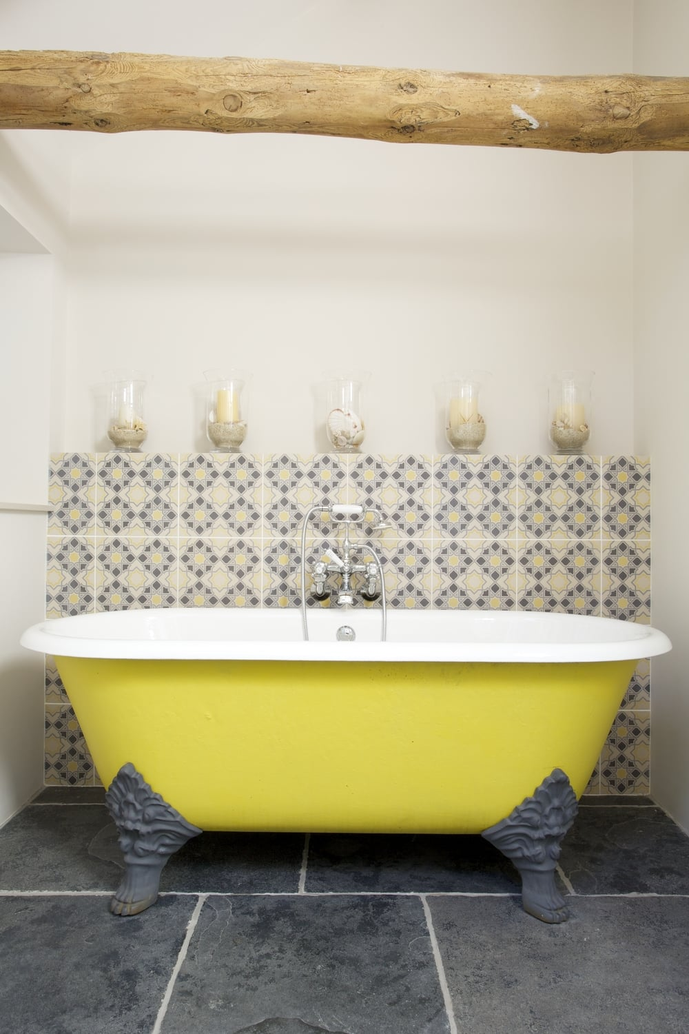 Colour pop bath tub!