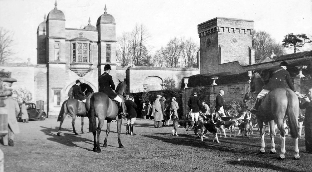 A meet of the Belvoir Hunt 1930s