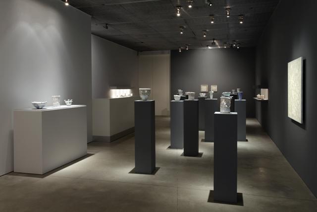 White Magic: Robert Ryman and Rudolf Staffel  at David Nolan Gallery, New York, 2014. Courtesy Tom Powel Imaging.