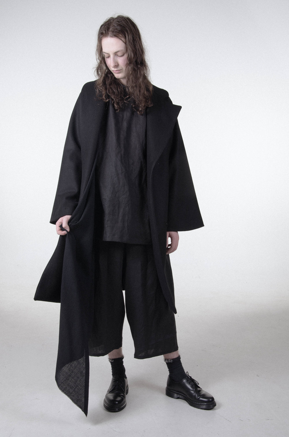 agoraphobia-collective-britt-pooley-50-50-bowie-coat