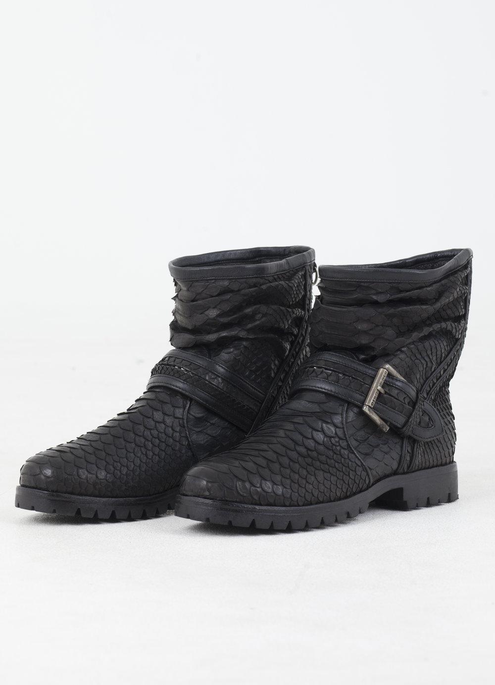 agoraphobia-collective-defiant-disorder-koma-snakeskin-boots