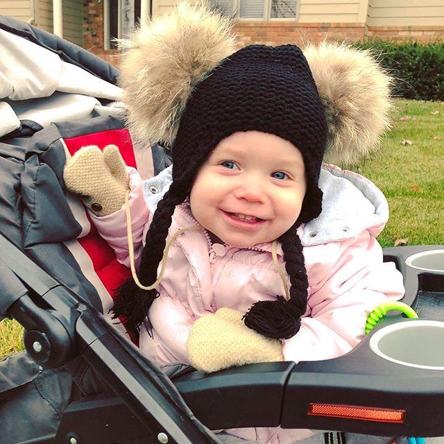 🍂Just needed some fresh air 👩👧 . . #freshair #novemberskies #november #mommydaughter #loveyoubabygirl #sundayfunday #sundayvibes