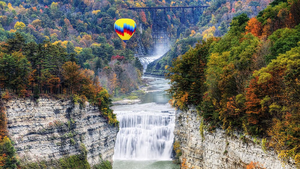 Can you imagine how beautiful it is to ride an air balloon around there?
