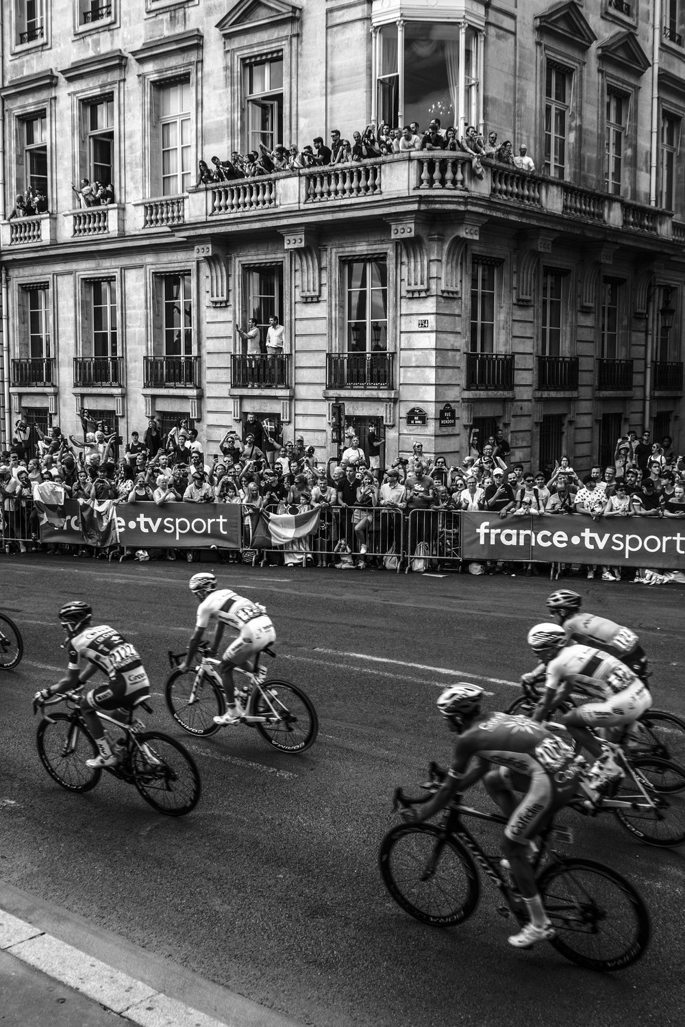 Tour de France, rue de Rivoli, 2018.