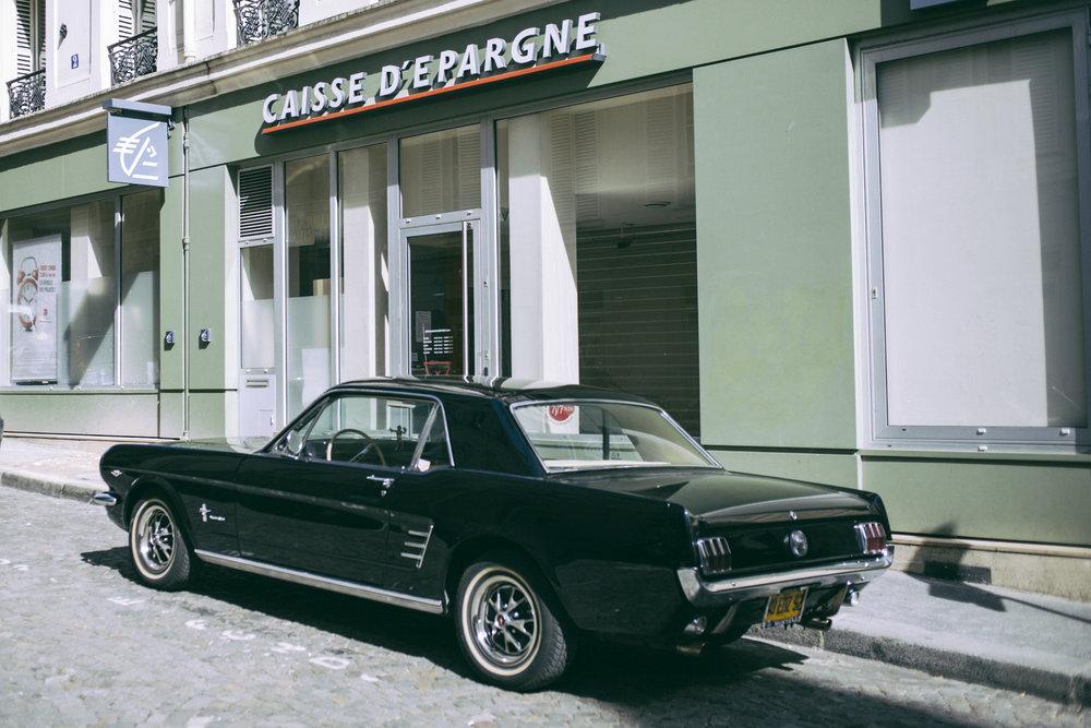 La Caisse d'Epargne de la rue Burq, Paris. 2013