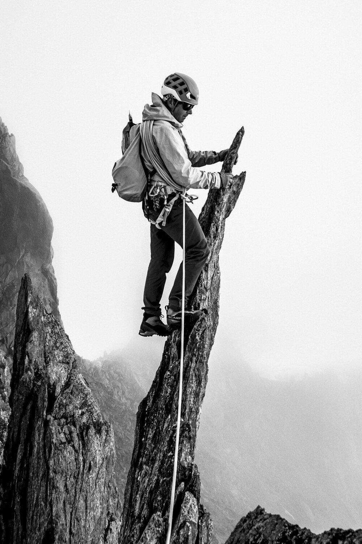 Mon guide Mathéo Jacquemoud dans la traversée de l'Aiguille d'Entrèves, 2018.