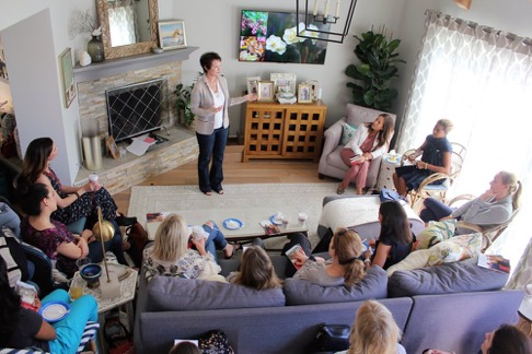 PRESIDENT AND CEO LINDA RENDLEMAN SPEAKING AT A SALON.