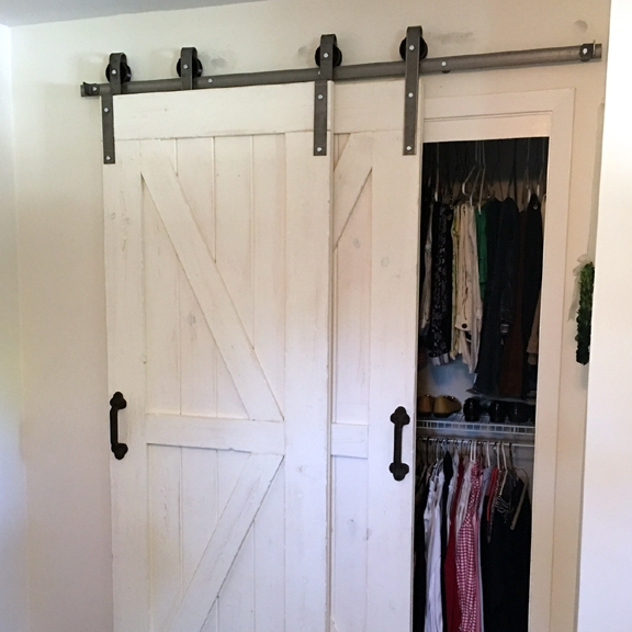 Superbe Single Track Bypass Sliding Barn Door Hardware Kit (more Colors Available)
