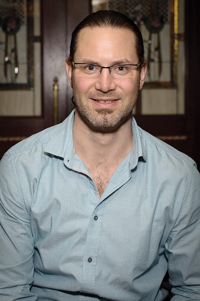 Dr. Tobias Gelber<br>tgelber@pinchermedical.ca