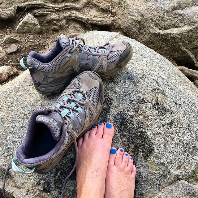 I have had the same pair of @salomon hiking shoes from @alpenglowsports in Tahoe City since 2011... and they have MANY miles on them and not one blister!! I highly recommend them!!! And, no I am not a sponsor ....#alpenglow #hiking #mountaingirls #salomon #keeptahoeblue #alpenglowsports #tahoetruckeelifestyle