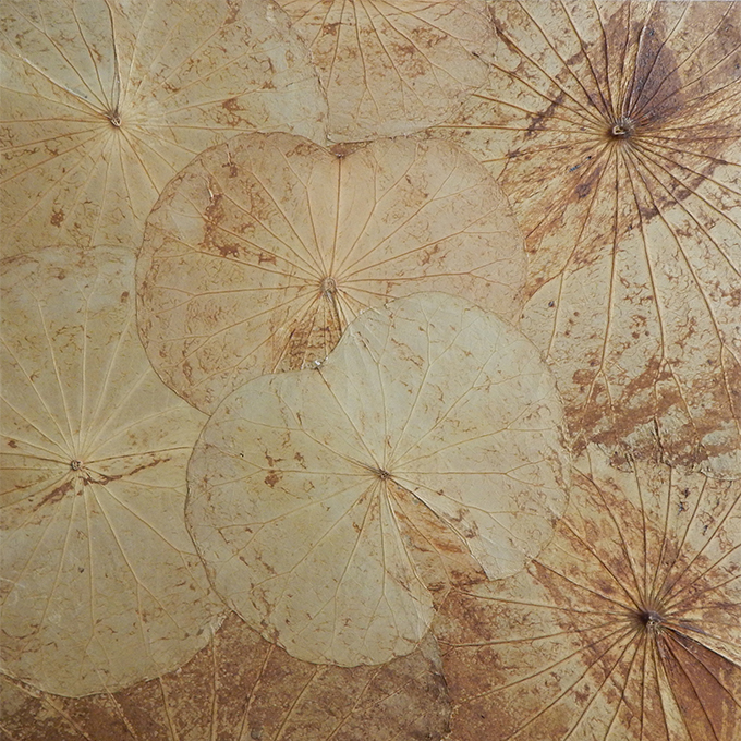 You will be provided with a beautiful 40cm x 40cm canvas, hand covered in Thailand by meticulously preserved lotus leaves.     Upgrades to larger canvas sizes available in the studio..