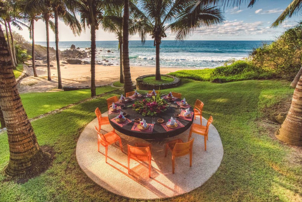 Oceanfront-Dining-Sayulita