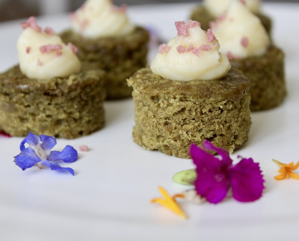 - Green tea cake with white chocolate buttercream