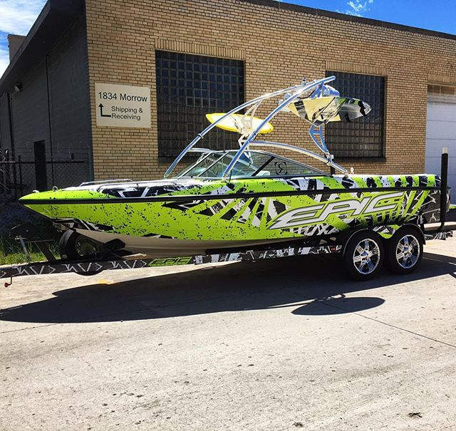 This thing came out #Epic 💀 #1330wraps #EpicWakeboats #wakeboat #wakeboatporn #wakeboarding #wakesurf #wakeboatwrap #boatwrap #motoboating #shredcity #paintisdead