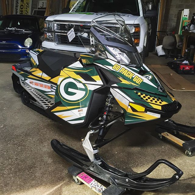 🧀 #GoPackGo #1330wraps #MS #cheesehead #packers #sledwraps #skidoo #packersnation #GB #greenbay #wisconsin #MSsnowtour #frozentundra #greenandgold @packers @nfl #slednecks #sledjunkies #shredcity