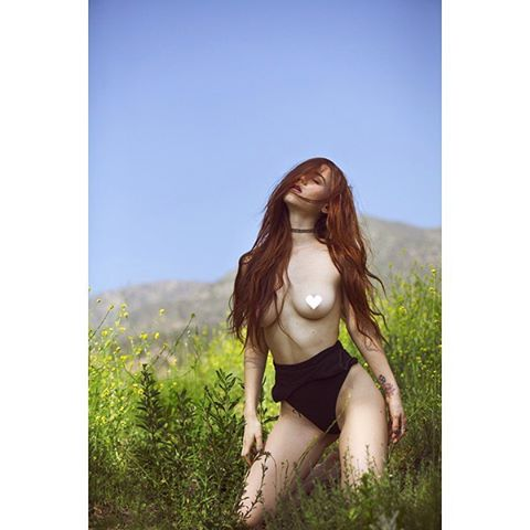 Photographer: @crystalallenphotography / Model: @brookeva_ 💥/ Location: Altadena, CA #crystalallenphotography #crystalallen #color #naturallightphotography #losangelesphotographer #altadena #california #artmodel #muse #master #brookeeva #redhair #naturalbeauty #landscape #portrait #censored #heart #ftn #womensupportingwomen #celebrate #women #brave #radiant #powerful