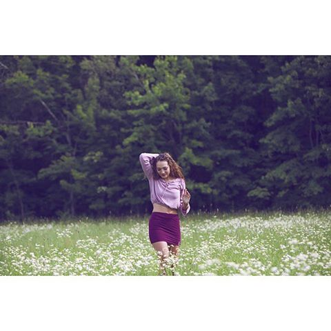 Check out part one of this shoot that I just posted to my Patreon page!  I'll be posting my journal entry about this day as well, sometime this weekend ;). Link in bio--❤️ Photographer: @crystalallenphotography / Model: @lc_harriman / Location: Belgrade, ME (the field next to my Memere's house) #crystalallen #crystalallenphotography #losangelesphotographer #la #traveling #maine #mainemodel #model #models #lexi #longhair #flowers #naturallightphotography #playing #stompinggrounds #brave #radiant #powerful #women #womensupportingwomen #supportart #patreon #patreoncreator #reward