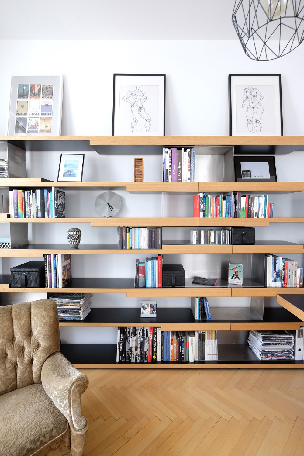 SPLITLEVEL_bookshelfsystem_04-LR.jpg