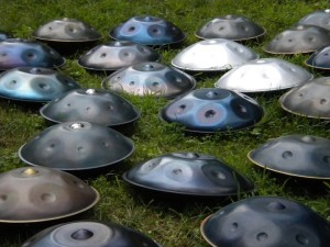 Experience 5-octaves of Handpan at your keyboard!