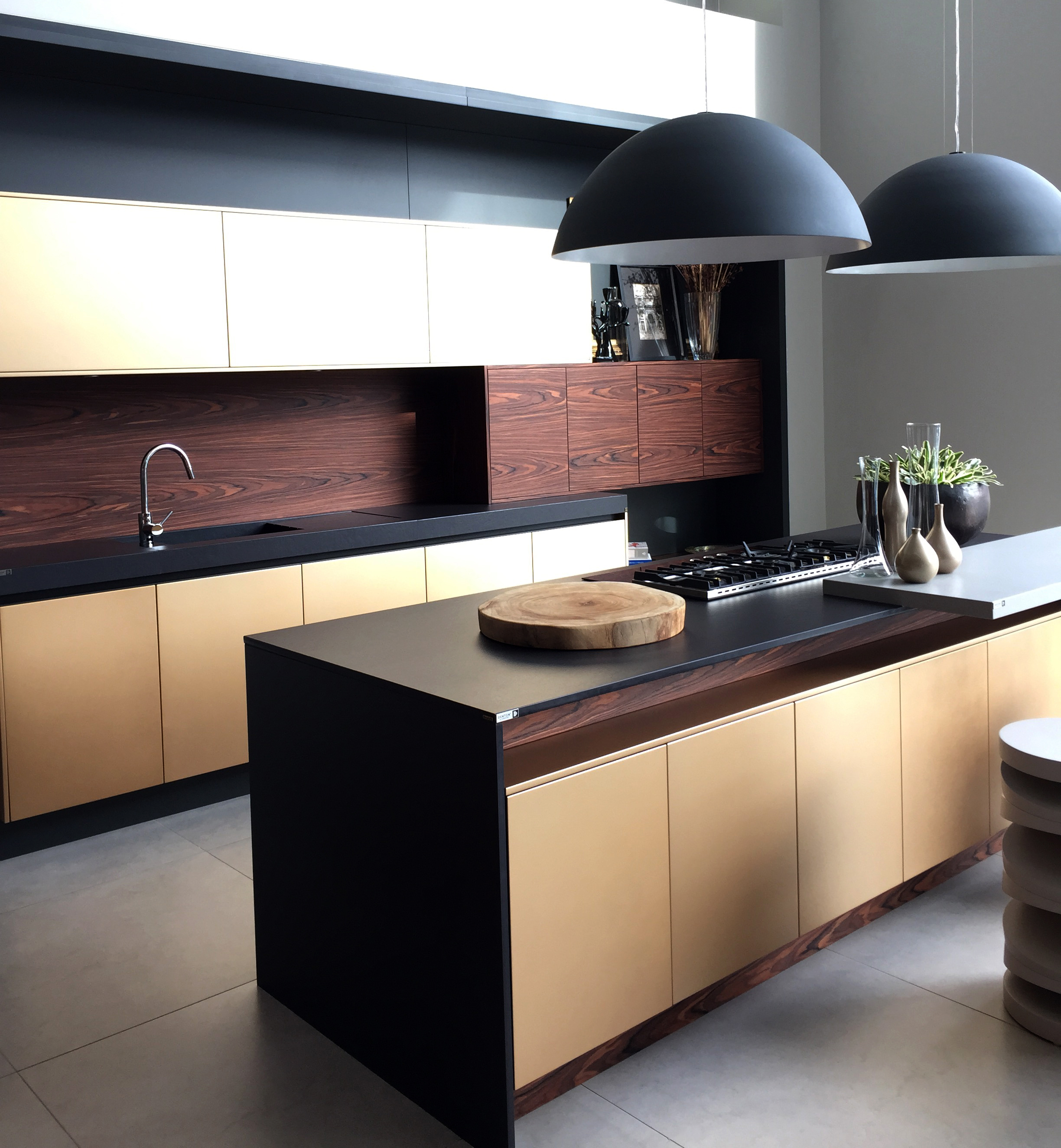 gold pearlescent kitchen