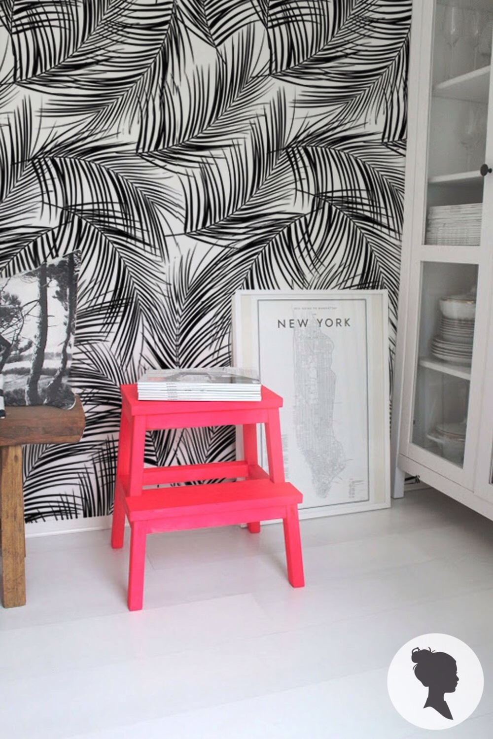 Palm leaves peel & stick removable wallpaper by Livettes