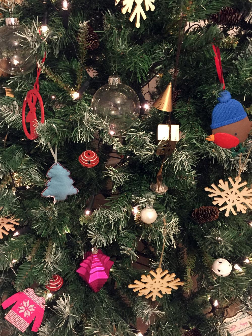 Christmas ways to help