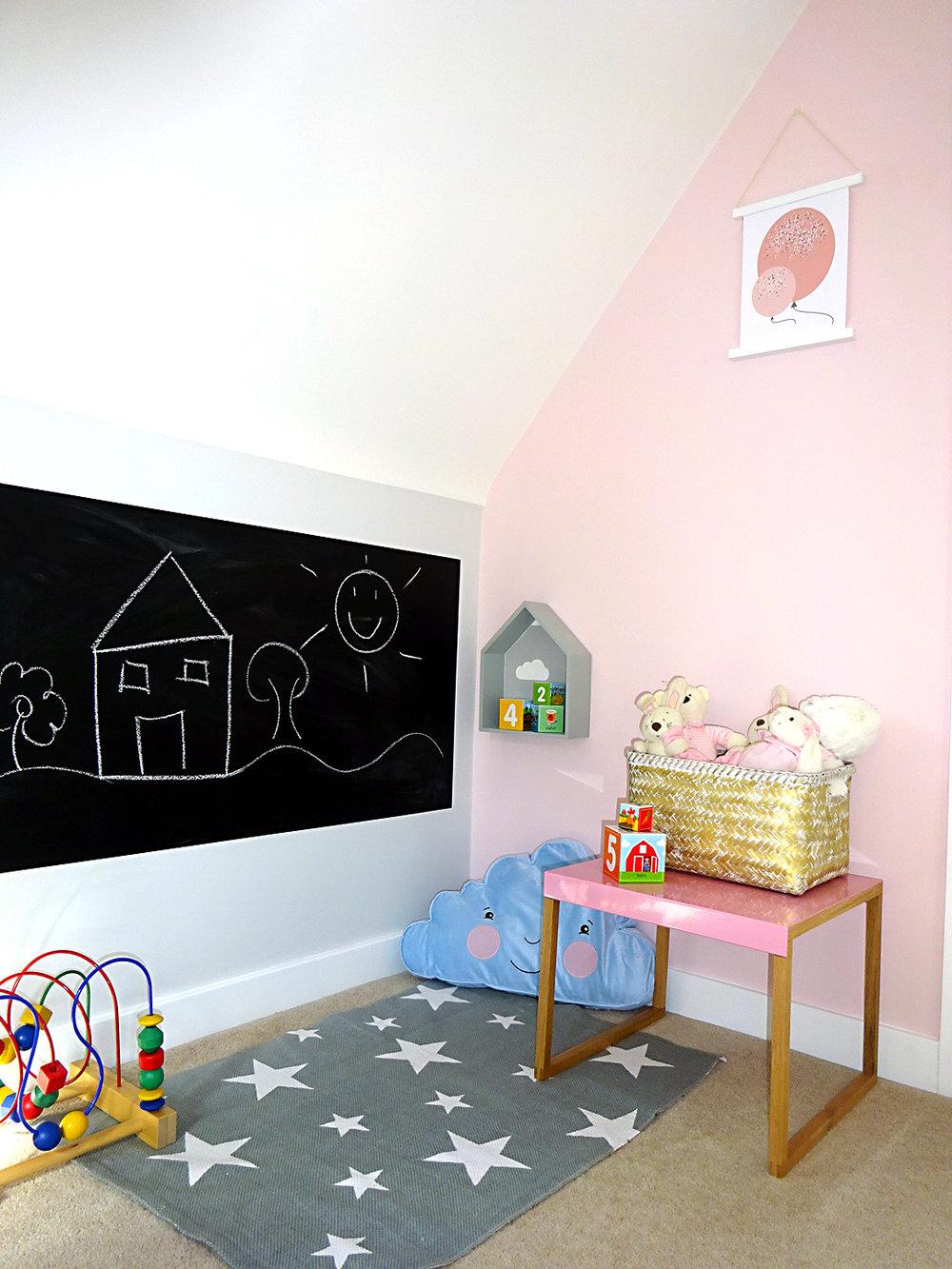 play corner chalk board girls bedroom