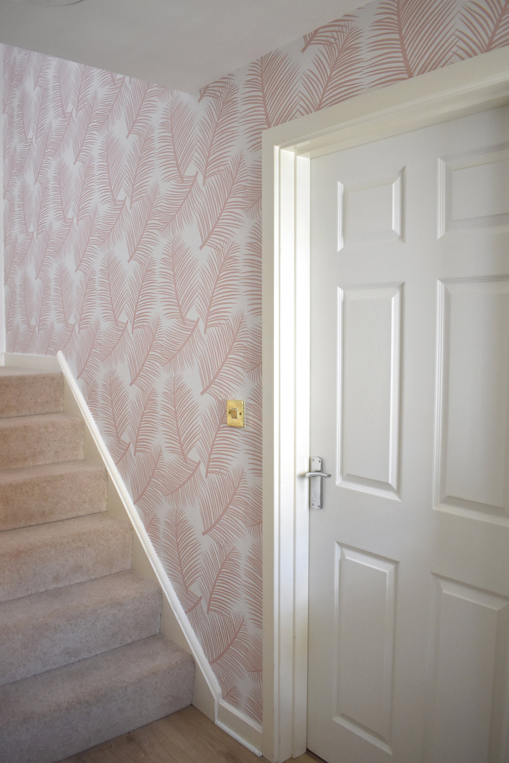 Palm Leaf Garden wallpaper in Blush