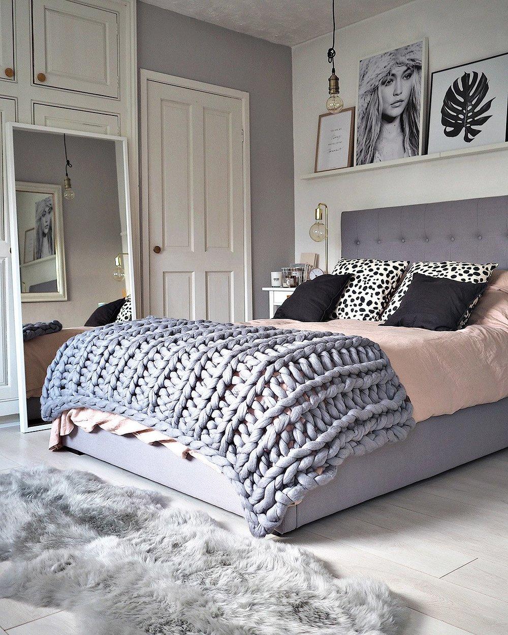 lustliving bed.jpg