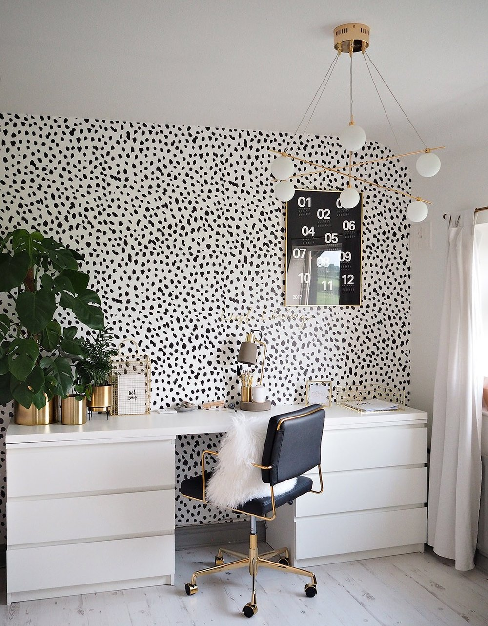Lust Living  spotty - gold - monochrome office of dreams