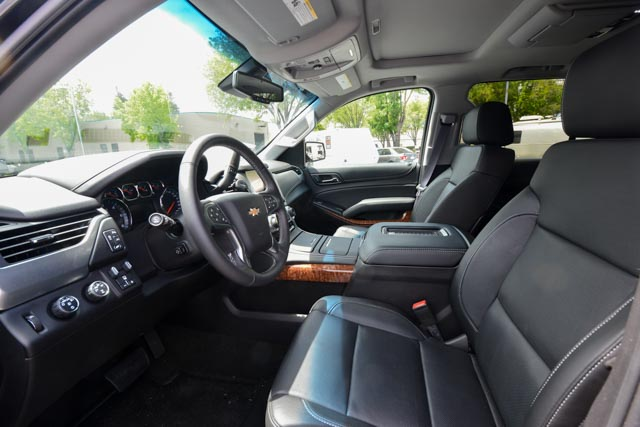 Chevy Tahoe interior pics (1 of 4).jpg