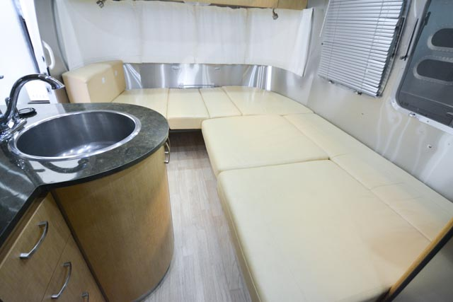 25 Flying Cloud Airstream Dinette Converted (2 of 2).jpg