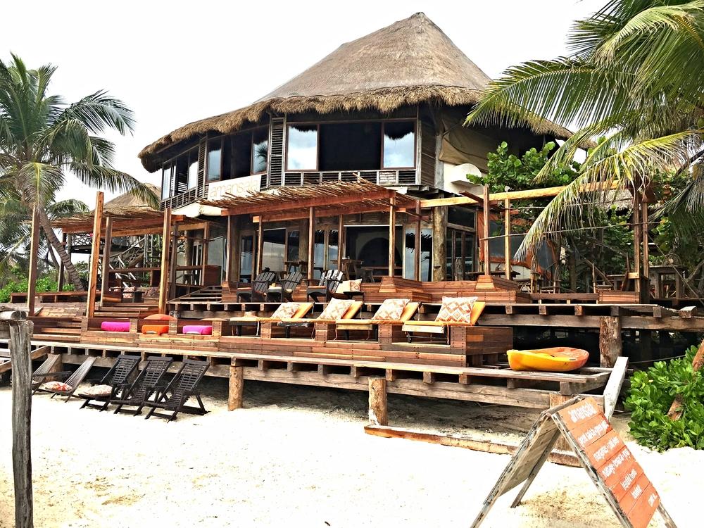 Main restaurant at Amansala