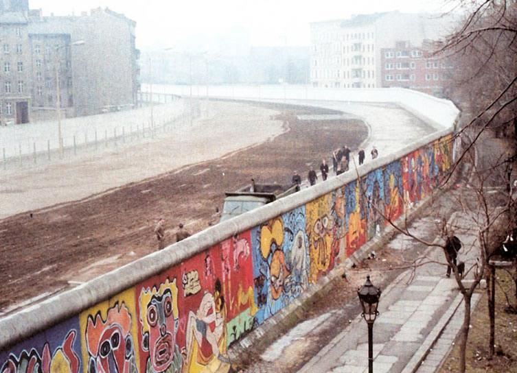 The Berlin Wall in 1986