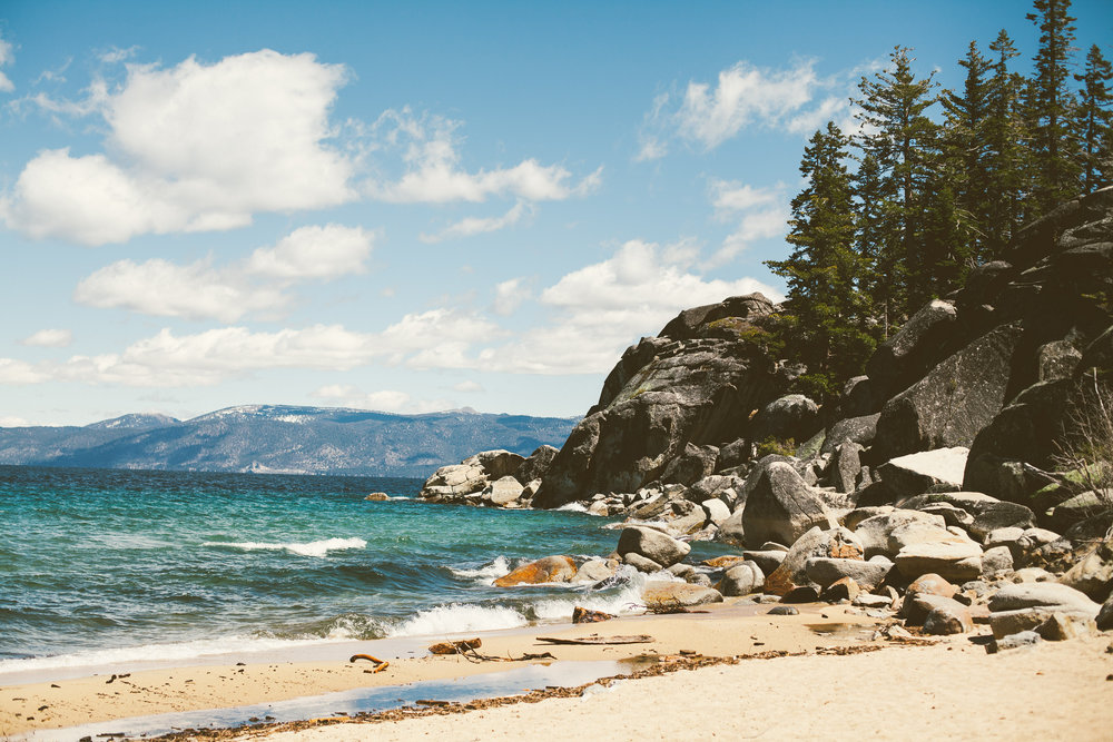 lake-tahoe-beach-hike