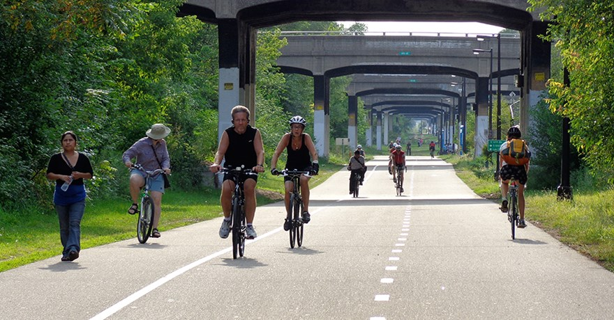 midtown-greenway-traffic-photo-courtesy-of-the-greenway-guy.jpg