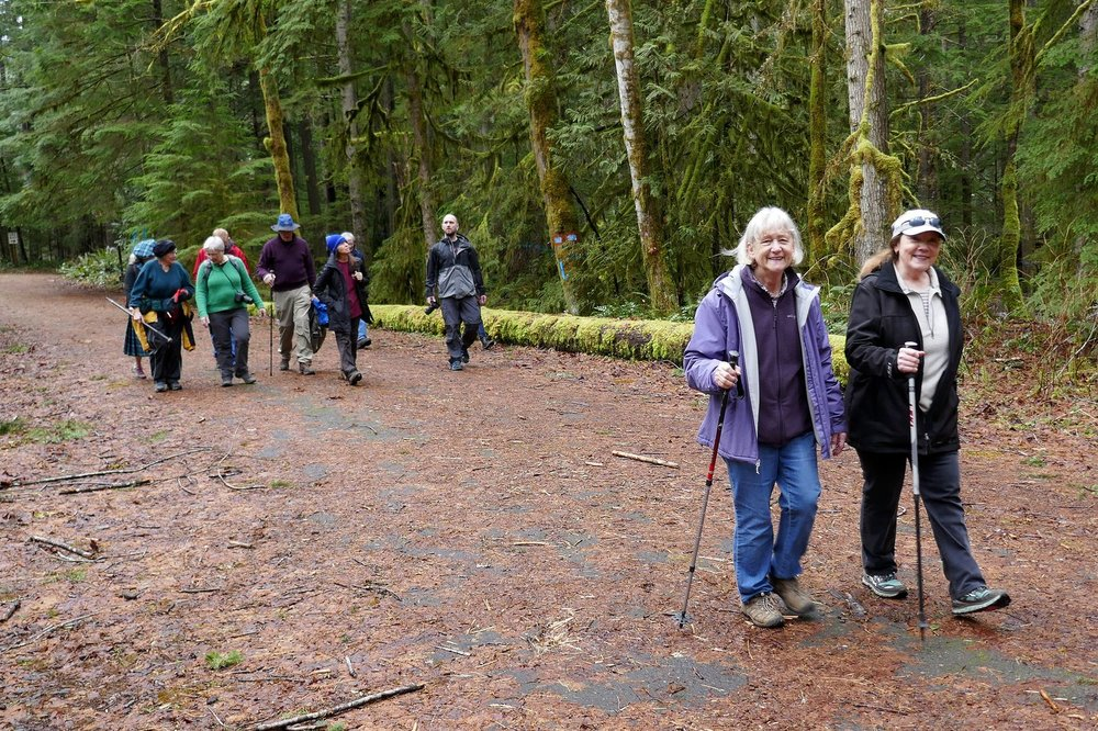 Sarah and Doreen leading the hikers back to the cars