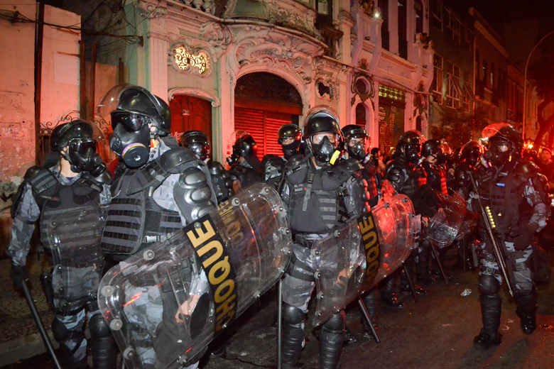Stanford researchers are studying the use of force by police in Rio de Janeiro, Brazil, to better inform strategies for curbing aggressive behavior by law enforcement there and elsewhere.  (Image credit: Agencia Brasil)