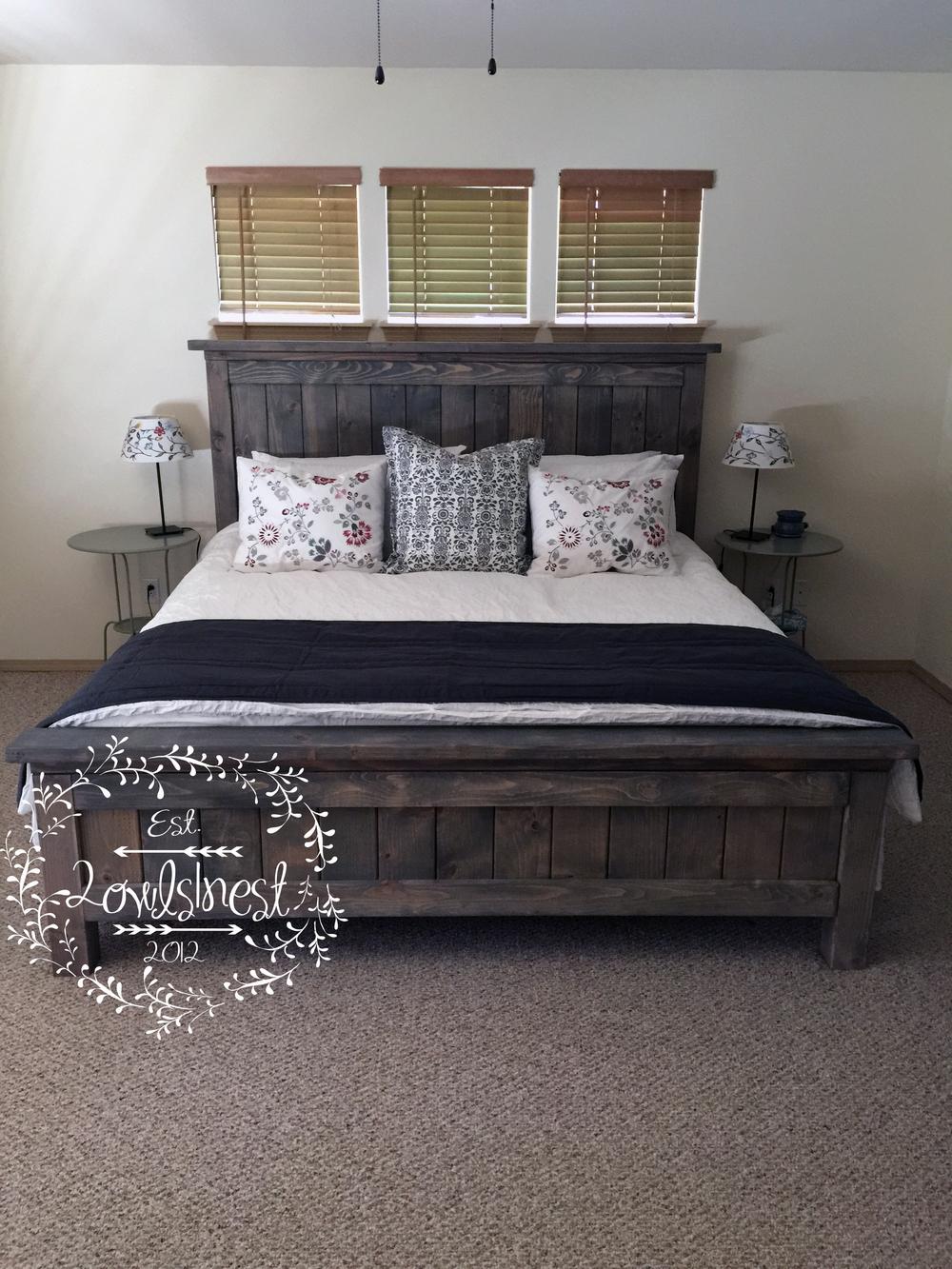 King farmhouse bed frame 2owls1nest for Farmhouse bed frame plans