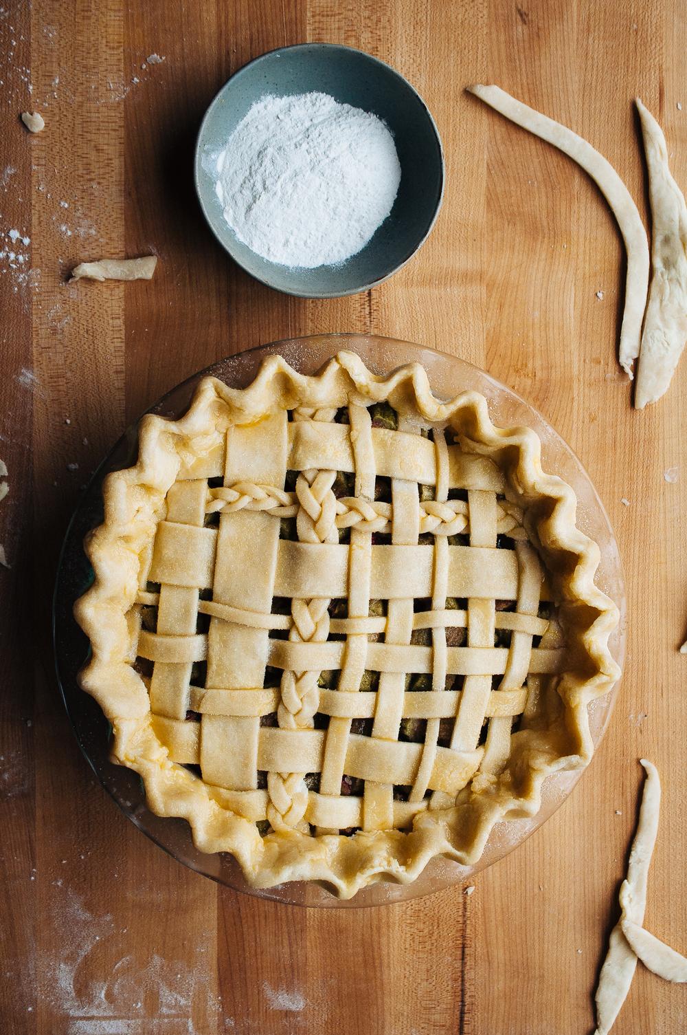 Rhubarb Pie 6.jpg
