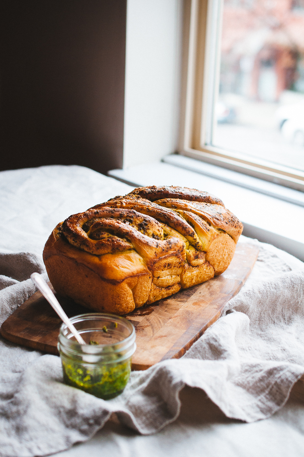pesto bread 9.jpg