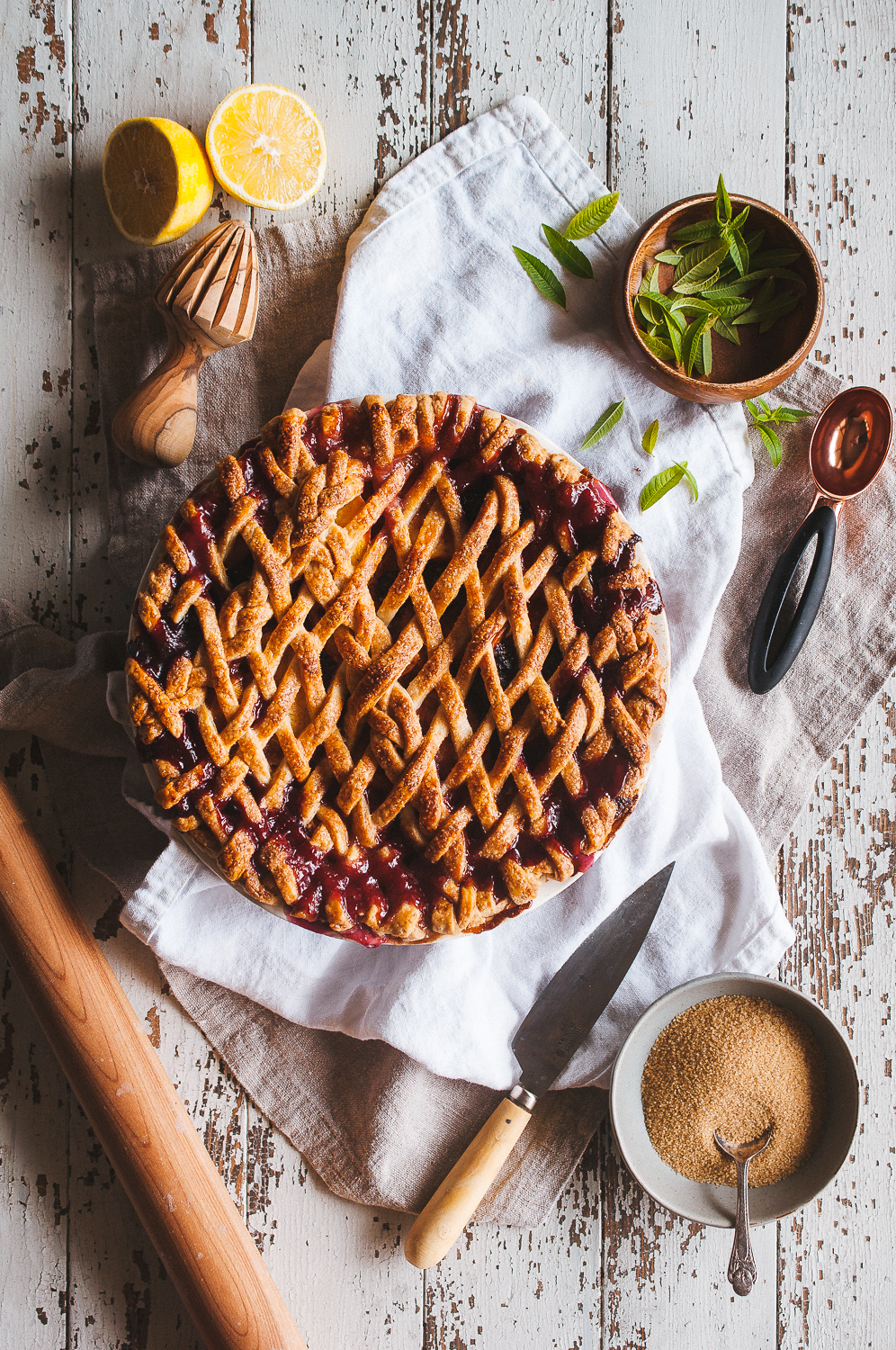 Peach blackberry pie 6.jpg